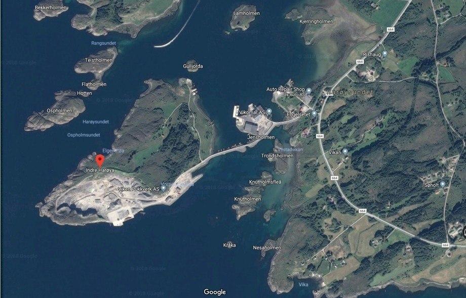 Salmon Evolution,planlegger å bruke tre milliarder kroner på å bygge oppdrettsanlegg i et gammelt steinbrudd i Fræna. Kart: Google