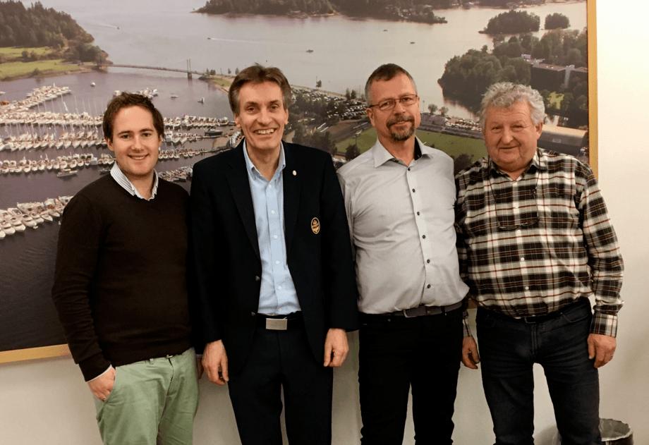 Fra venstre: Vetle Børresen, VB media, Geir Giæver,KNBF, Thor Messel, Kystverket, Erik Brauner,Norboat. Geir Vareberg, Telenor Kystradio mangler på bildet