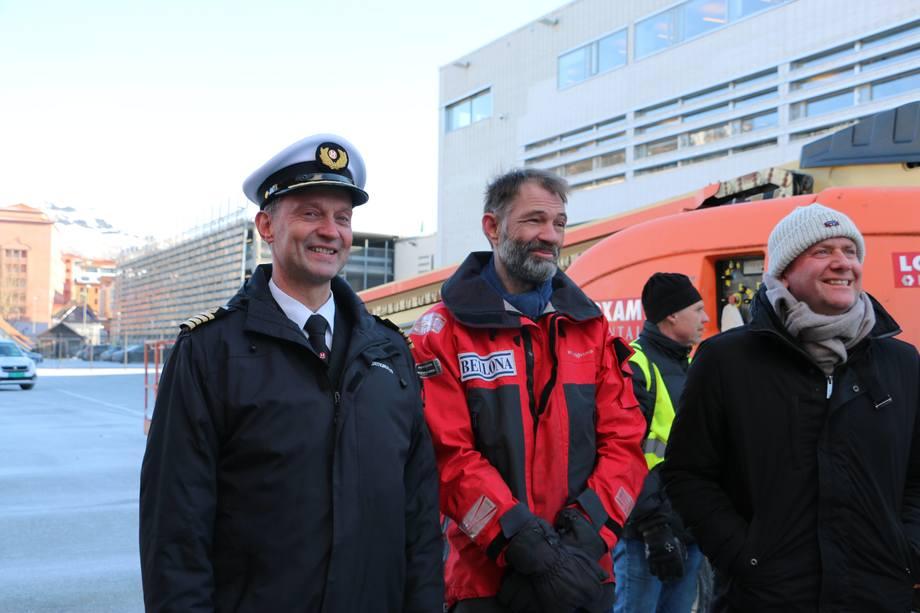Fra venstre: Kaptein Oddleif Engvik, Sigurd Enge fra Bellona og Konsernsjef Daniel Skjeldam i Hurtigruten