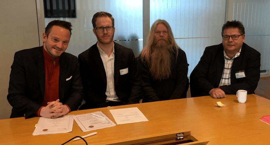 Fra v. Geir Ove Ystmark (Sjømat Norge), Anders Hansson (Norsk Sjøoffisersforbund), Geir Hagerupsen (Norsk Sjømannsforbund) og Johnny Hansen (Norsk Sjømannsforbund). Foto: Sjømat Norge.