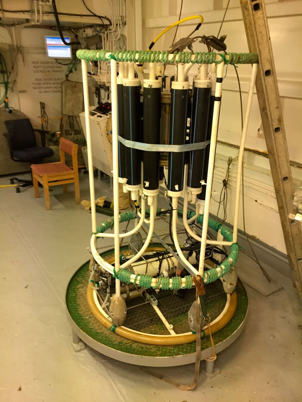 """<p>Spom de fleste andre fartøyene til Havforskningsinstituttet har """"Johan Hjort"""" CTD til vannprøver. Foto: Andrea Bærland</p>"""