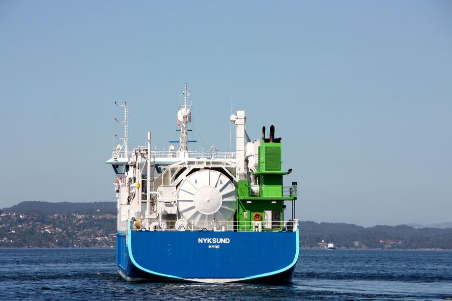 <p>Med en LNG-tank kapasitet p&aring; 135 m3 holder det med bunkring hver niende dag. Foto: Andrea B&aelig;rland</p>