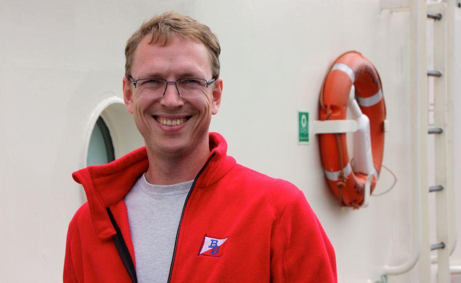 <p>Skipsfører Øyvind Aasvang har jobbet i rederiet i 20 år. Foto: Andrea Bærland</p>