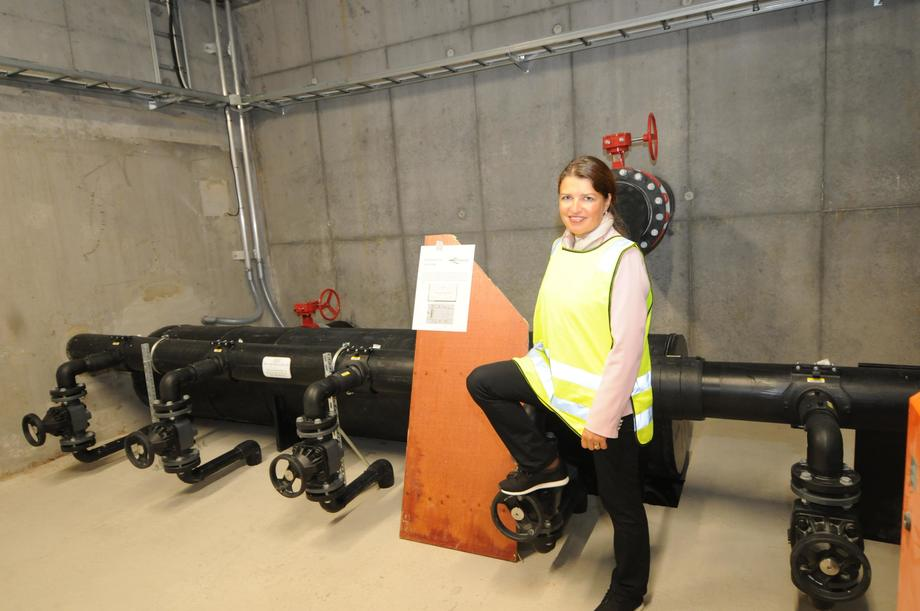 <p>Liv Kari Eskeland, som sitter i Stortingets Energi- og miljøkomite for Høyre, mener merden er et viktig bidrag i å svare på næringens utfordringer. Foto: Pål Mugaas Jensen/Kyst.no</p>