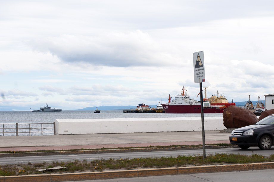 <p>Chilean armed forces are heavily present both at sea and on land.&nbsp;An old dispute with Argentina about the Beagle Channel that peaked in 1973 is the backdrop.&nbsp;Tsunamies, according to the sign on the right in the picture, are also a threat that must be taken seriously.</p>