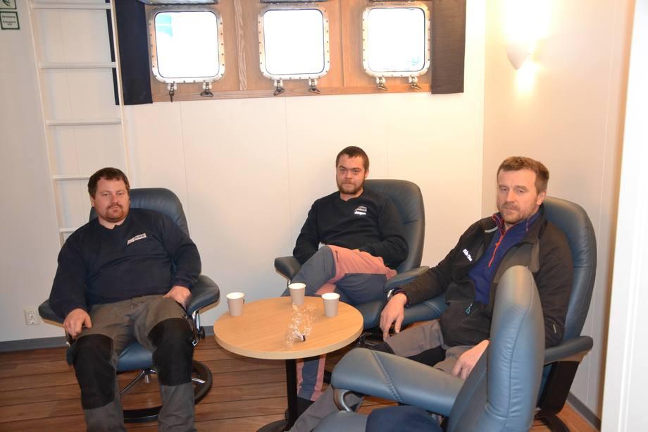 <p>Mannskapet om bord på det dieselelektriske fartøyet. Foto: Ole Andreas Drønen</p>