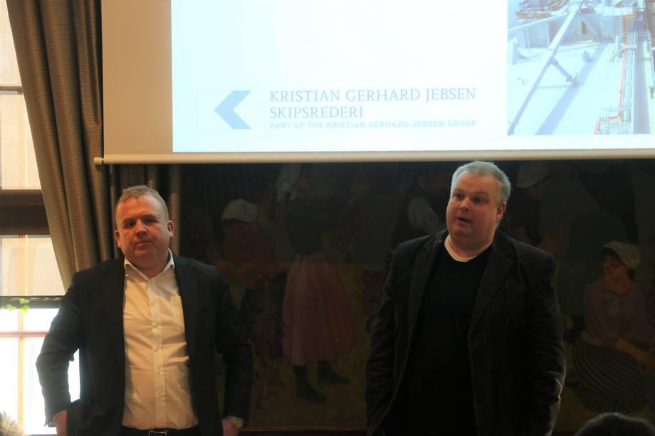 <p>Corvus-sjef Geir Bjørkeli her sammen medJan Berntzen, Sr. Vice President Projects, Kristian Gerhard Jebsen Skipsrederi som holdt et innlegg omperspektiver på bruk av gass. Foto: Vibeke Blich</p>