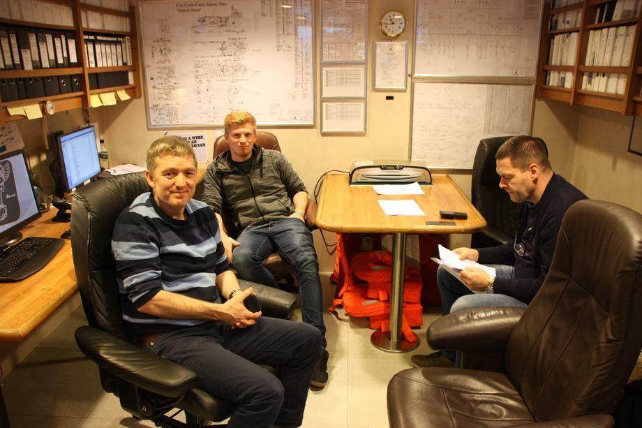 <p>Lars Nyland 1. maskinist, Tore Alvsv&aring;g 2. maskinist og Pauli H&oslash;gnese 1. maskinist.&nbsp;</p>