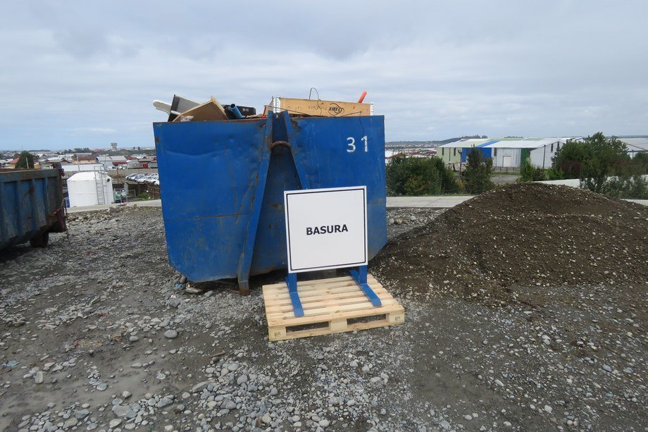 <p>Unidad de almacenamiento de basura para reciclaje.</p>