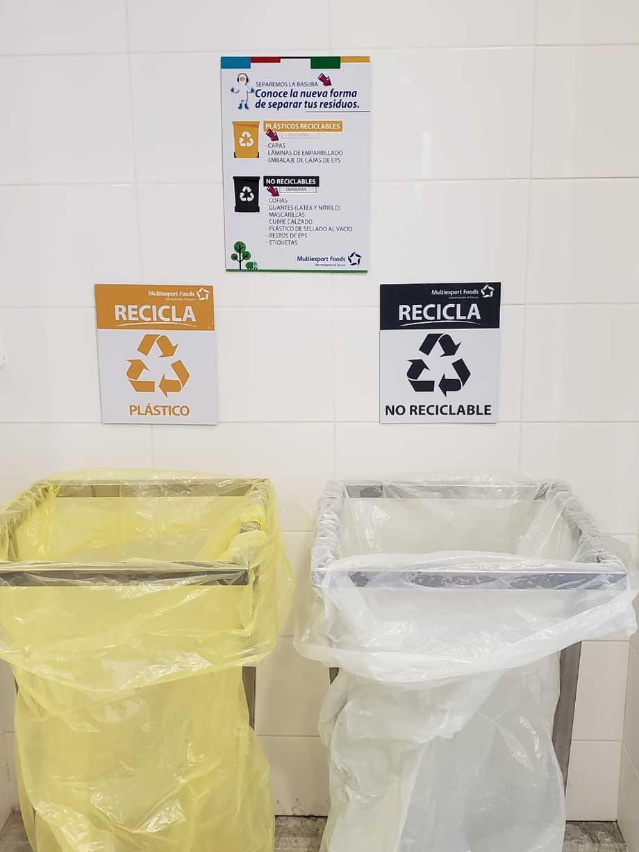 <p>Señalética con la nueva forma de separar los residuos por colores en la planta Cardonal.</p>