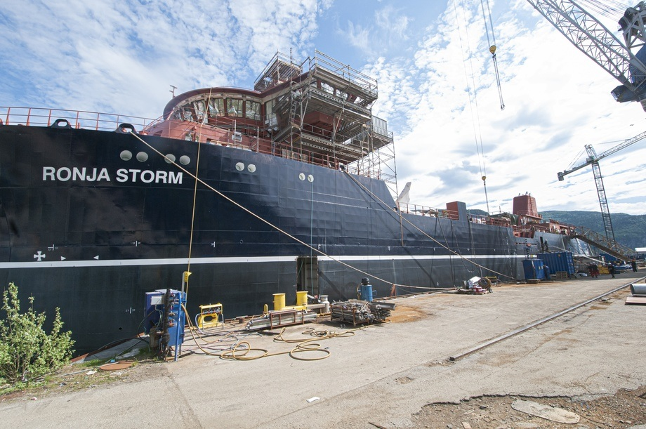 <p>This is how <em>Ronja Storm</em> looked in May 2019. Located in Leirvik in Sogn, it is being equipped to become a wellboat with unparalleled features. All photos: Pål Mugaas Jensen / Kyst.no</p>