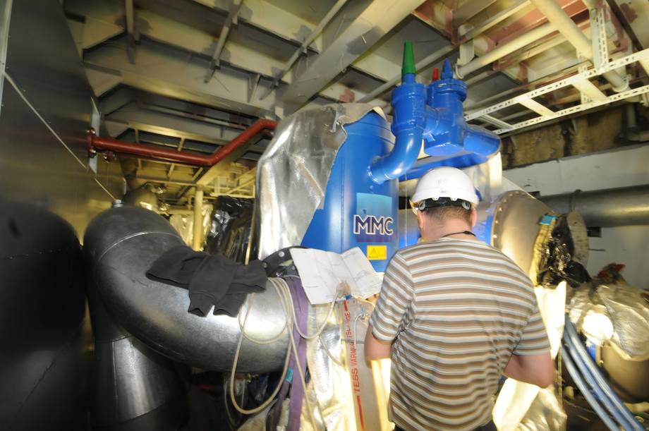 <p>MMC is a major supplier of pumps and water treatment facilities on board. The oxygen generators have a capacity of 400 kg per hour with a purity of 93%. The capacity of ozone production is also considerable at 10 kg / h.</p>