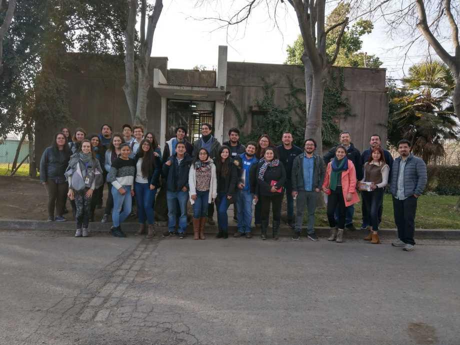 El CRIA cuenta con cerca de 30 investigadores entre académicos, investigadores postdoctorales y estudiantes de pre y postgrado. Foto: Universidad de Chile.