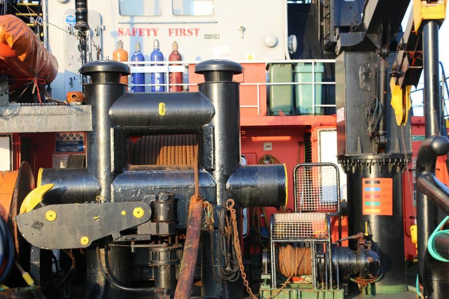 <p>Det er to Hägglund Hydraulic tauvinsj i stål på båten. Foto: Margarita Savinova.</p>