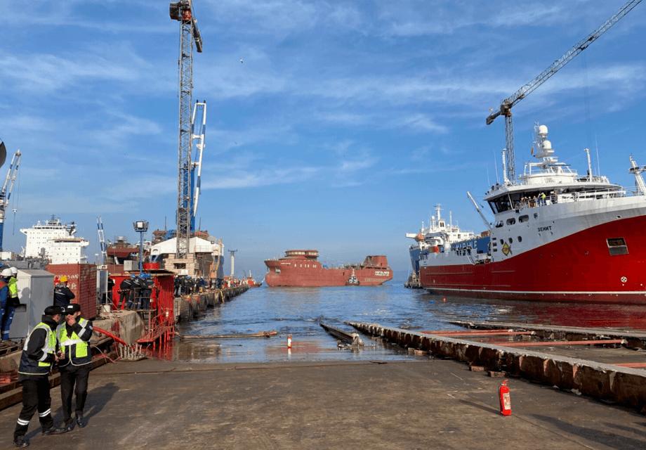Brønnbåten «Bjørg Pauline» er sjøsatt, og har fått vann under kjølen for første gang. Foto: Merete Kristiansen / Nordlaks
