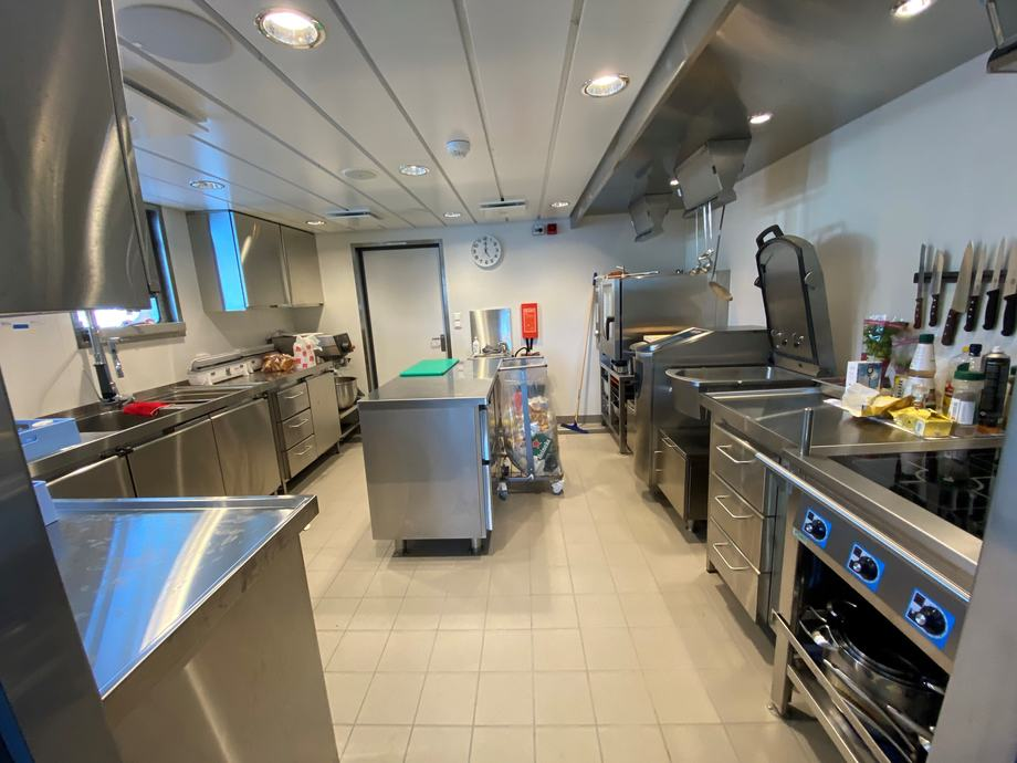 <p>The galley. Photo: Larsnes Mek. Workshop. </p>
