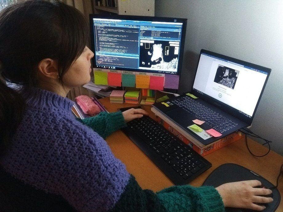 Monitoreo en línea y en tiempo real desde la Superintendencia del Medio Ambiente. Foto: SMA.