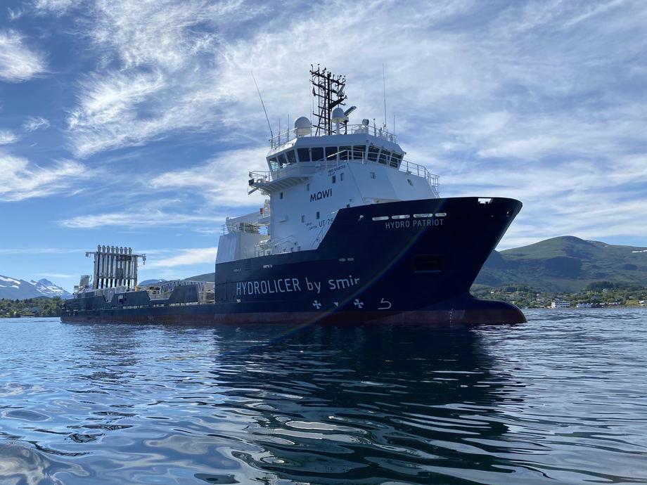 <p>Hydro Patriot, de Mowi Noruega, es el proyecto más grande del mundo para el tratamiento mecánico de piojos de mar. Tiene ocho líneas Hydrolicer, con una capacidad de 320 ton/hora.</p>