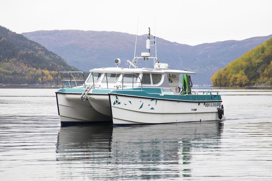 Sordal Aqua Service døpte fredag sin nye katamaran «Eldbjørg», en båt som skal stå i sentrum for selskapet sin satsing på ROV-inspeksjoner for oppdrettsnæringen. Foto: Sordal Aqua