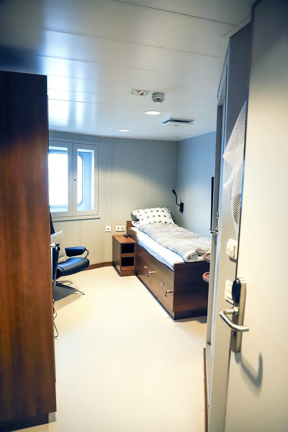 <p>Lugarane om bord Kristoffer Tronds er moderne, flotte og lyse. Foto: Marthe Eide/Grenda</p>