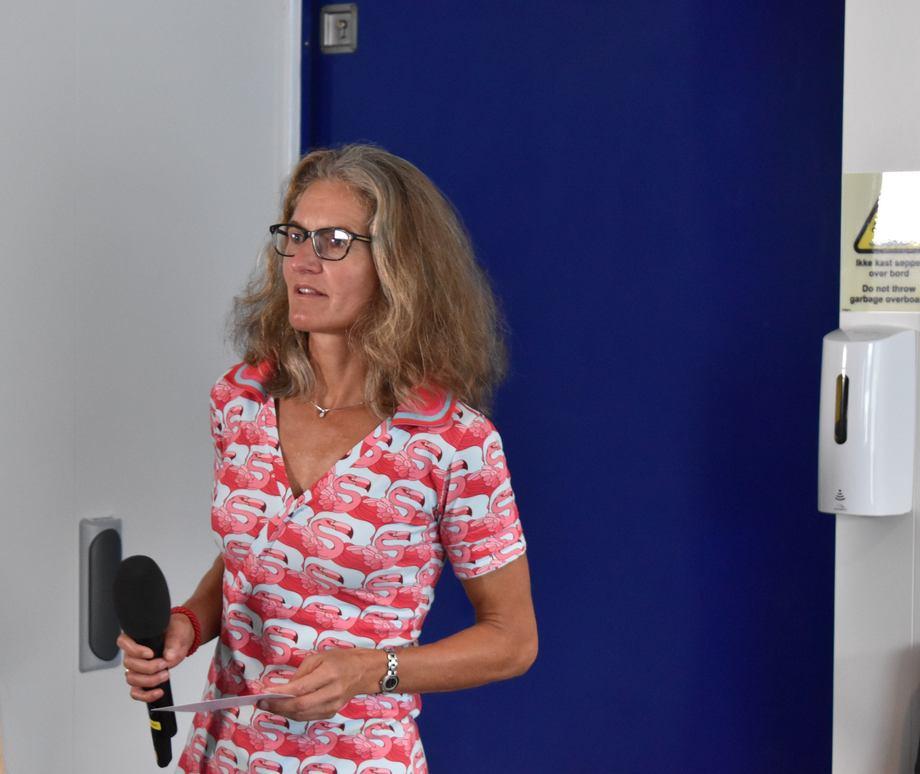 <p>Camilla Røhme fra Statens Vegvesen var blant gratulantene.Foto: Helge Martin Markussen</p>