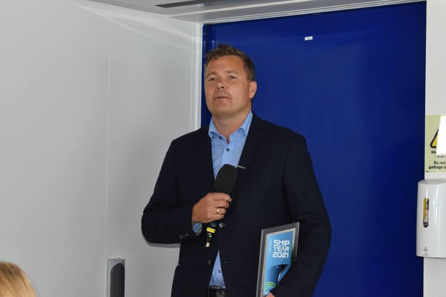 <p>Endre Matre mottok prisen på vegne av Westcon Ølen. Foto: Helge Martin Markussen</p>