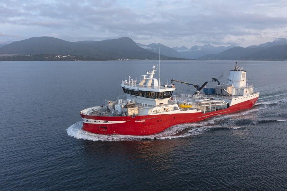 Skipet er bygget med diesel-elektrisk fremdrift og ESS-Batteri anlegg for hybrid drift, samt stor landstrømskapasitet. Foto: uavpic.com