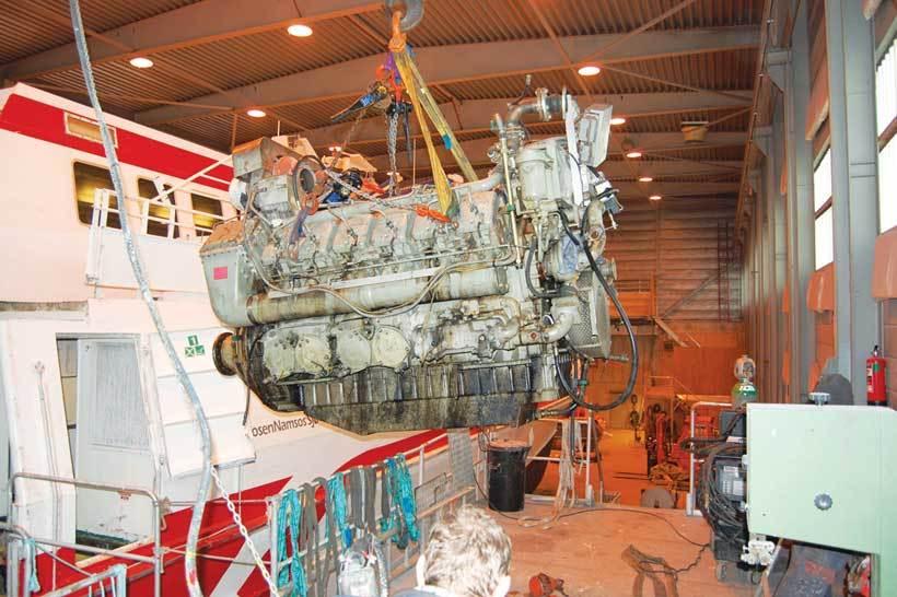 """M/S """"Agdenes"""" var opprinnelig utstyrt med to motorer på 1240 kW hver."""