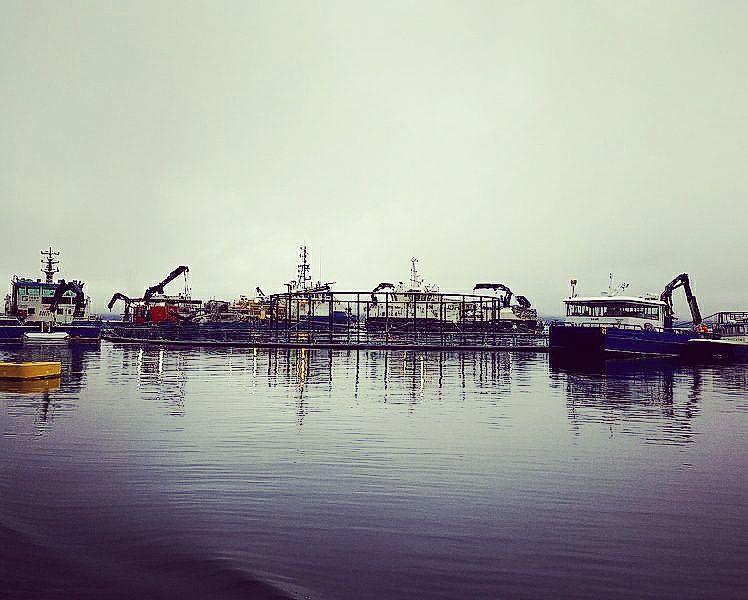 Saga Subsea jobber inn i en rekke segmenter, og en av dem er oppdrettsnæringen. Her arbeider de på en stor lokalitet der de fikk en langsiktig avtale, for ROV utleie og inspeksjon av undervannsoperasjoner. Foto: Stian Hemnes