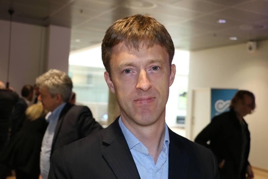 Roar Ådland er profesor ved Norges Handelshøyskole og leder skolens Senter for shipping og logistikk. Foto: Vibeke Blich