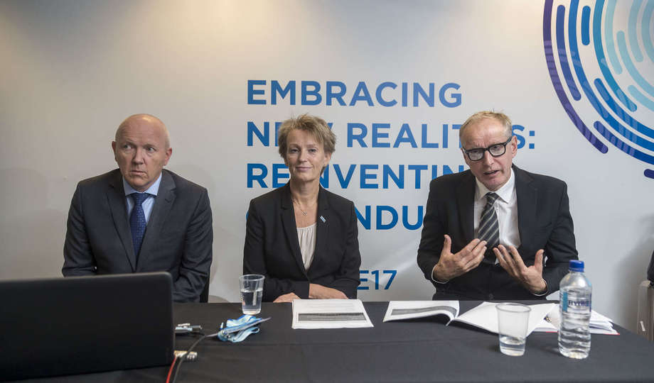 Offshore Europe 2017 - Cyber security press conference, From left: Petter Myrvang (cyber security expert), Elisabeth Tørstad (CEO, DNV GL - Oil & Gas), Pål Børre Kristoffersen (cyber security expert. Foto: DNV GL