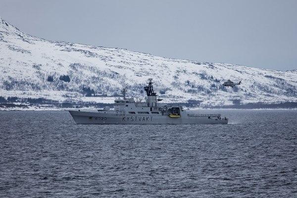 På bildet ser du KV Nordkapp som skal erstattes av nye fartøy i klassen. Foto: Lars Røraas, Forsvaret