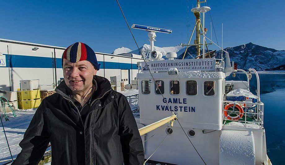 Torstein Kvalsvik er eigar av «Gamle Kvalstein», og har også vore skippar om bord i dei åra fartøyet har fungert som prøvetakingsbåt for Havforskingsinstituttet. Foto: Gunnar Sætra/HI