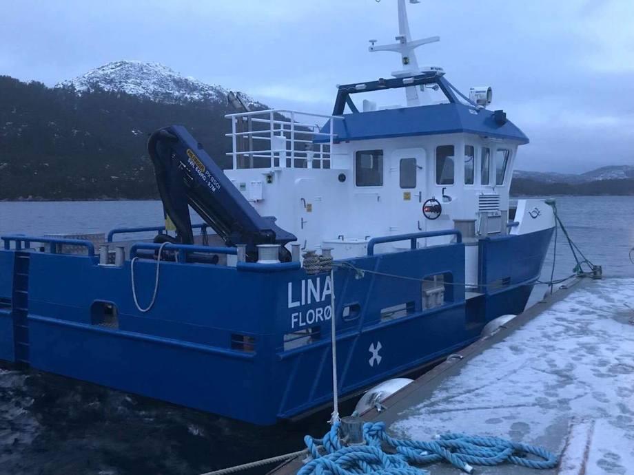 Arbeidsbåten Lina. Foto: Kjell Oddvar Stendal.