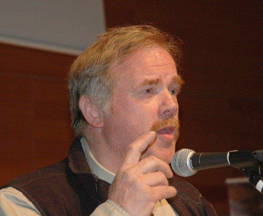 Kurt Oddekalv advarer mot at Forsvaret skal stå for slepeberedskapen. Foto: Skipsrevyen.
