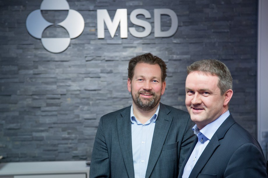 Forskningsdirektør Petter Frost og daglig leder Johan Kvalheim i MSD Animal Health sier til kyst.no at de har vært forberedt på konkurranse på salg av PD-vaksiner i flere år. Foto: MSD.