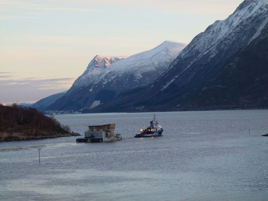 Selsøyvik Havbruk As har fått ny fôrflåte i betong - levert av levert av Marine Construction as
