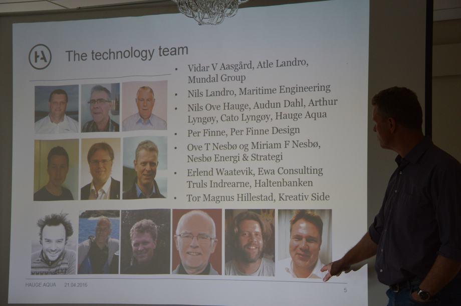 Cato Lyngøy i Hauge Aqua presenterer temaet han har samlet fra forskjellige næringer for å få den kompetansen han ønsker.Foto: Therese Soltveit.