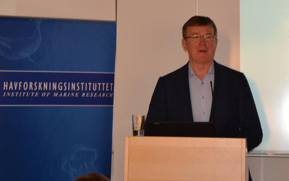 Terje Svåsand fra Havforskningsinstituttetpresenterte
