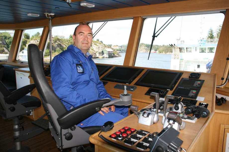 Atle Dåvøy trives i jobben som ROV-operatør og styrer store deler av dagen selv. Foto: Liv Strømme/tunnelsyn.no