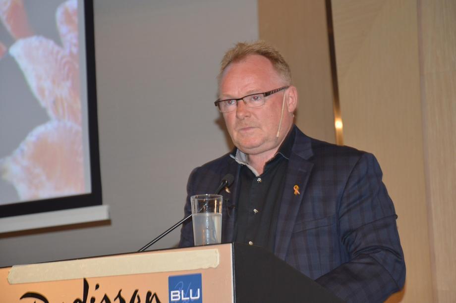 Tidligere fiskeriminister Per Sandberg (FrP) holdt i dag pressekonferanse der han gikk kraftig ut mot måten media har omtalt kjæresten hans på. Foto: Kyst.no.