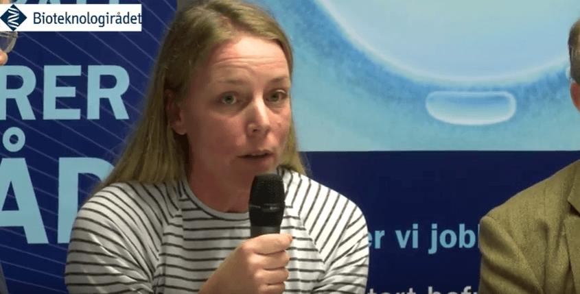 Anna Wargelius, forskningsleder ved Havforskingsinstituttet under debatt om GMO i 2016. Screenshot fra Bioteknologirådet.