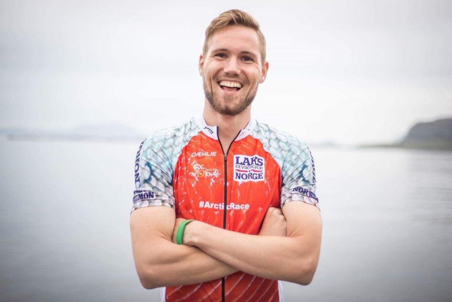 Robin Halsebakk sykler Norge på langs for kreftsaken. Foto: Petter Gunnarstein.
