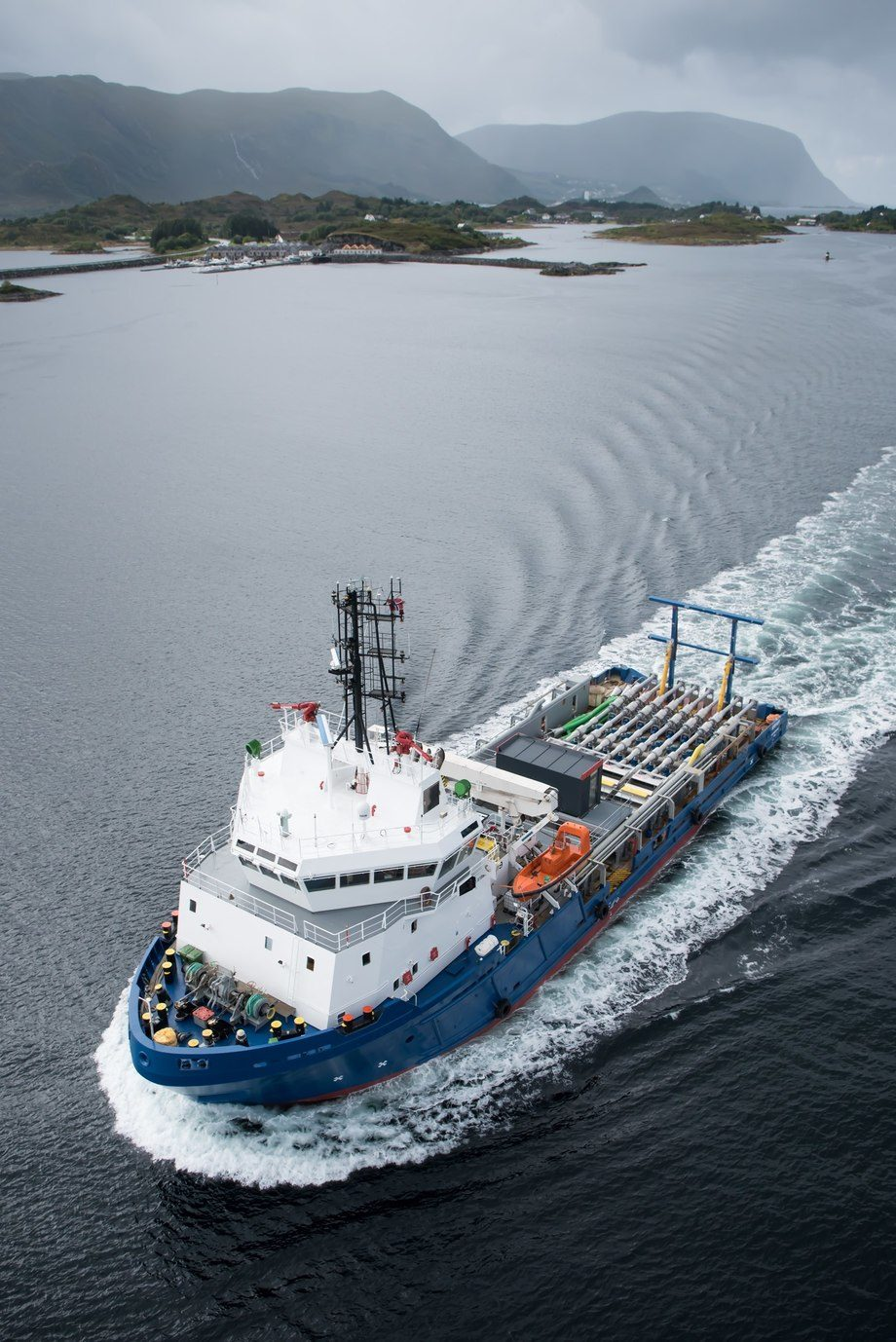 Hydrolicerutstyr er montert om bord i MS Steyer. Foto: Kristoffer Nærø Ytterland.
