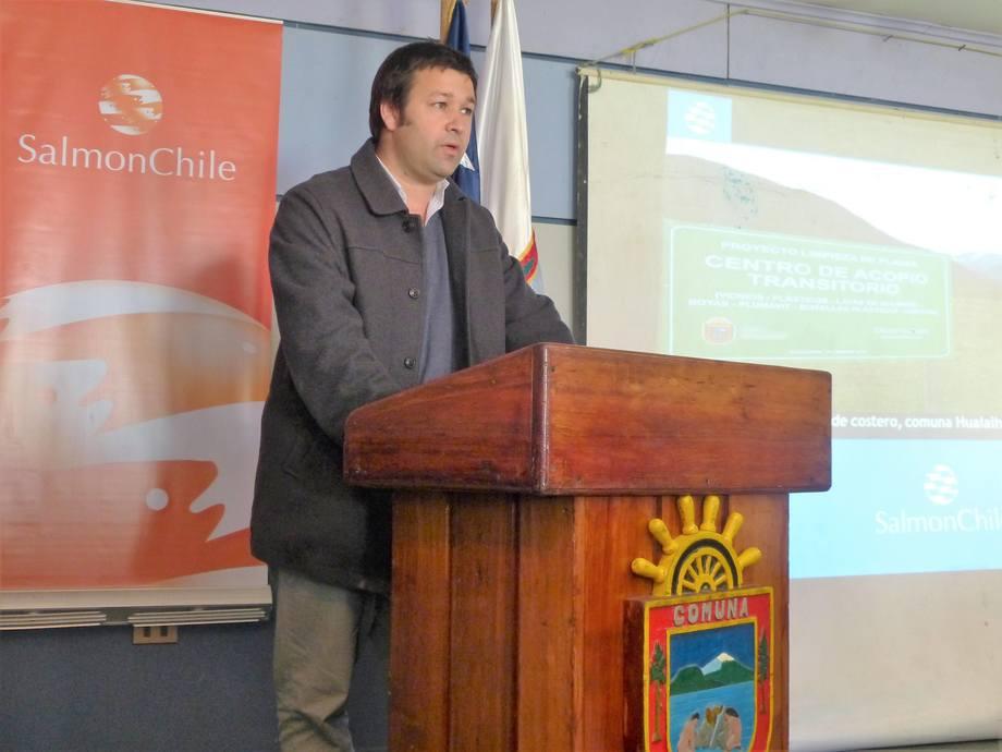 José Tomás Monge, gerente general (i) de SalmonChile. Foto: Loreto Appel, Salmonexpert.