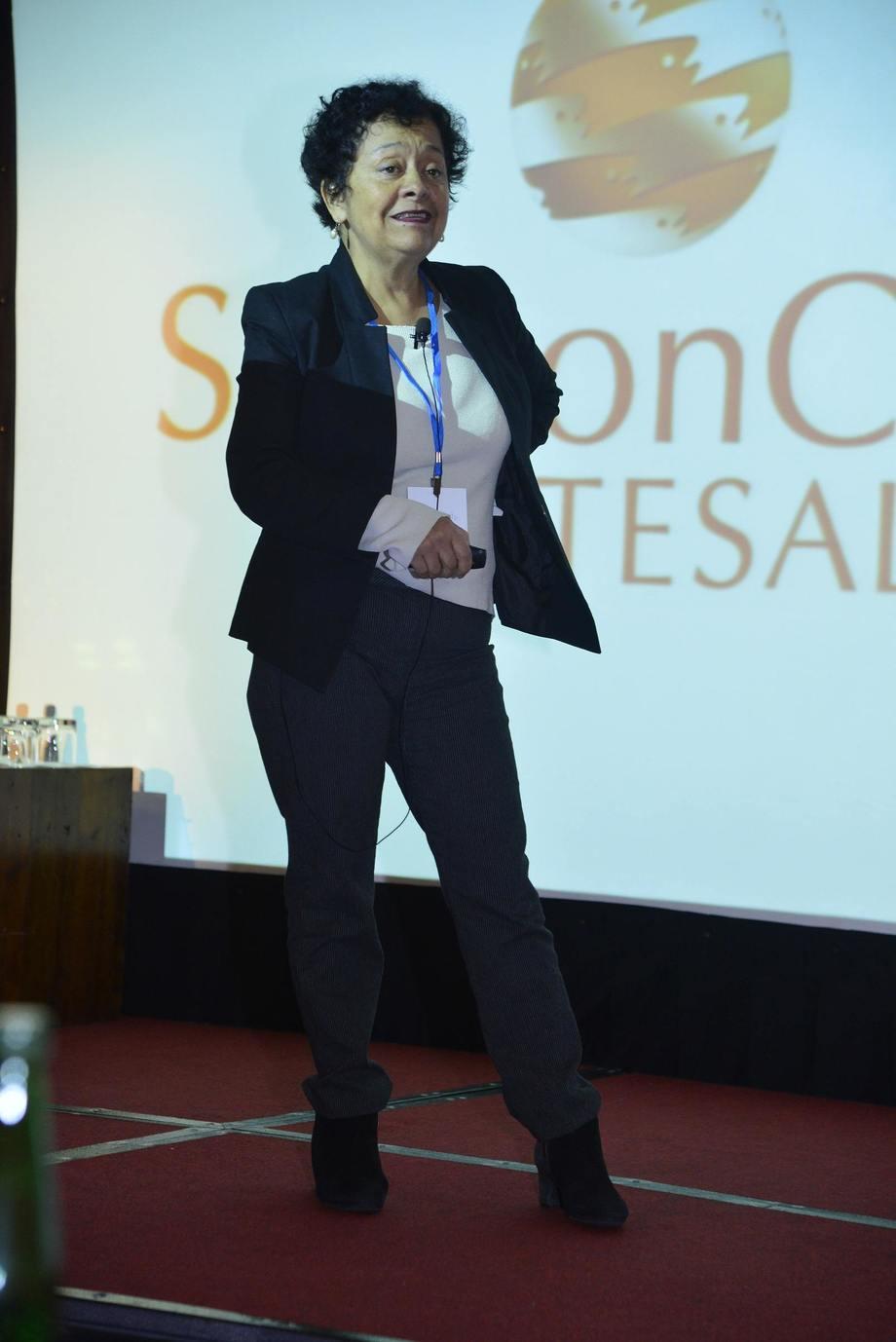 Doris Soto en Jornadas de Investigación de Intesal. Foto: Intesal.