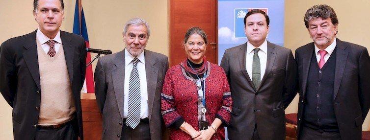 Representantes de FAO y Gobierno de Chile. Foto: Subpesca.
