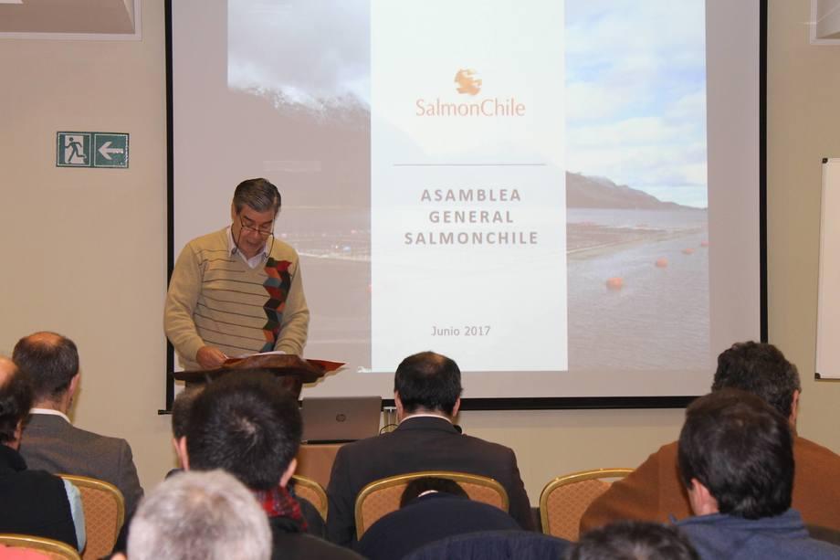 Felipe Sandoval, presidente de Salmonchile en reunión anual de socios. Foto: Salmonchile.