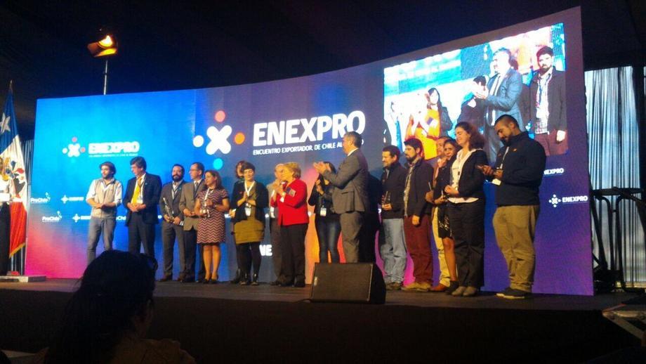 Empresarios reconocidos en Enexpro. Foto: Bioled.