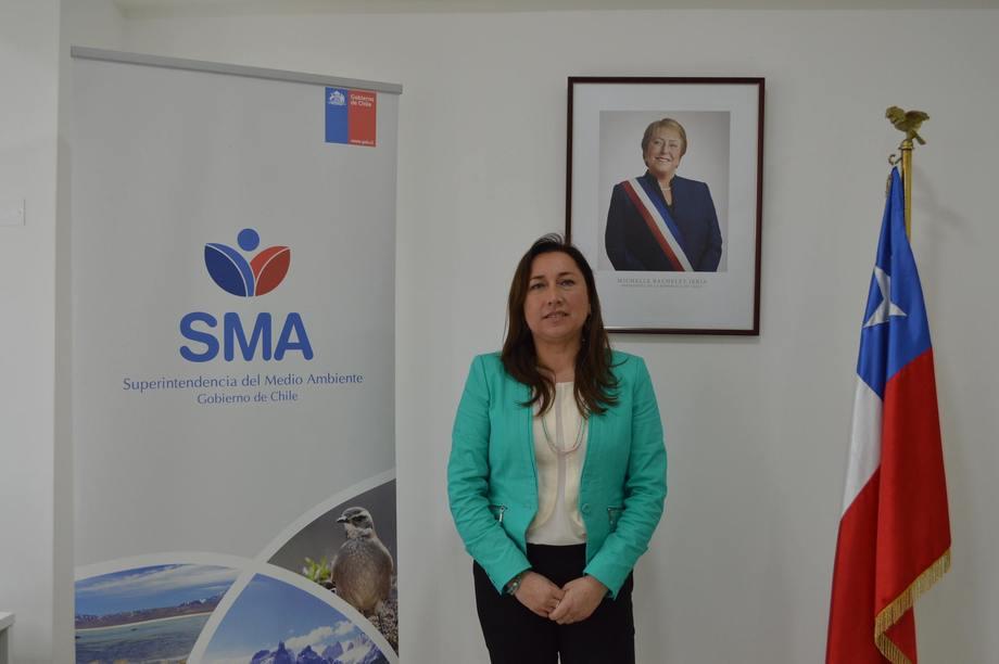 Ivonne Mansilla, jefe oficina SMA Región de Los Lagos. Foto: SMA Santiago.